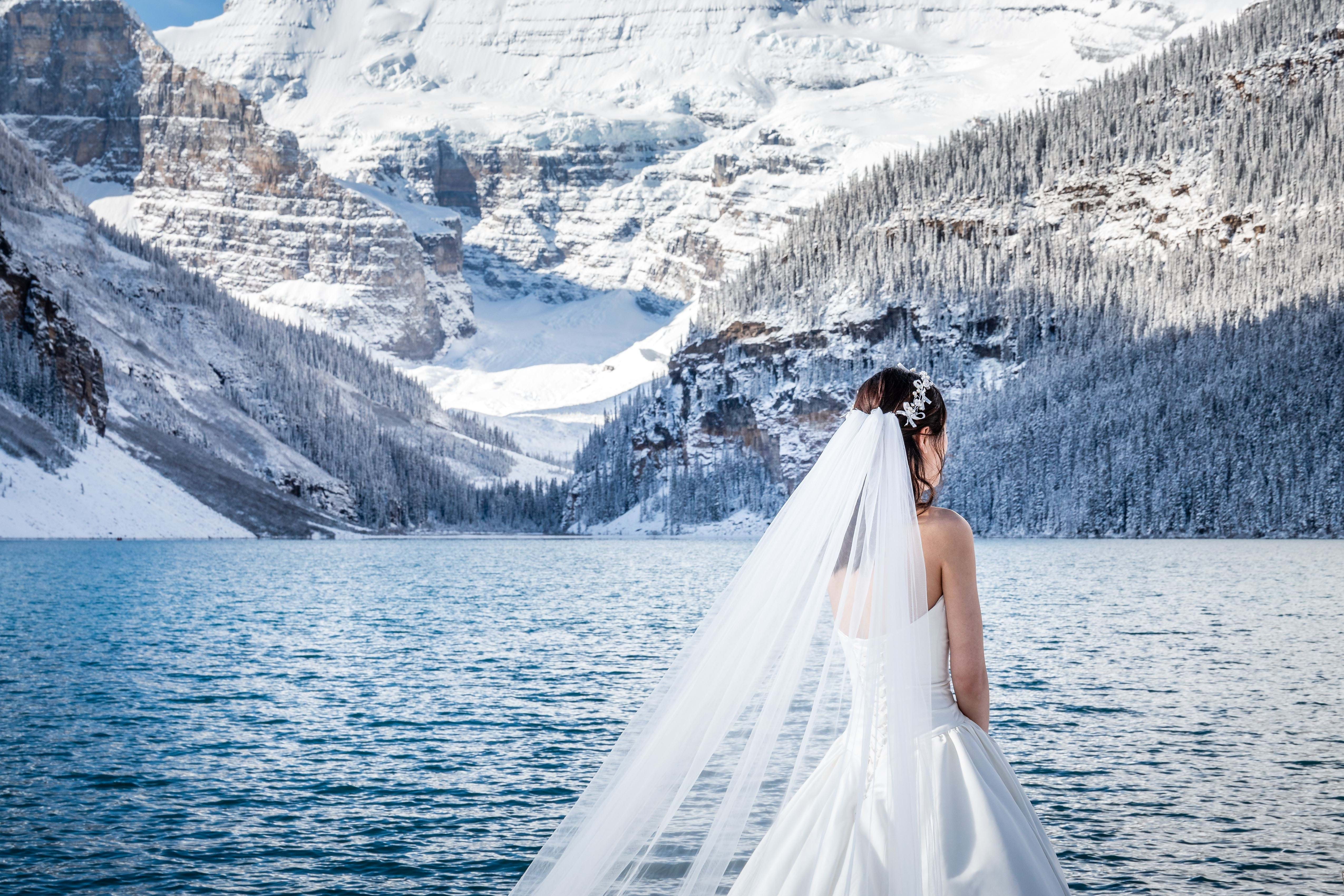 Canada, Perfect mountain scenery and the magical Lake Louise provide a stunning backdrop to your wedding
